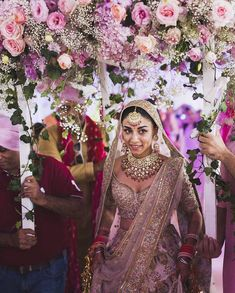 Are you looking for different styles of Phoolon Ki Chadar for your wedding? Here, find the most beautiful Phoolon Ki Chadar ideas for a bridal entry. Punjabi Wedding, Desi Wedding, Gothic Wedding, Wedding Looks, Wedding Reception, Wedding Ideas, Farm Wedding, Wedding Couples, Boho Wedding