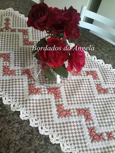 Chicken Scratch Patterns, Chicken Scratch Embroidery, Machine Embroidery Patterns, Embroidery Stitches, Hand Embroidery, Hobbies And Crafts, Diy And Crafts, Arts And Crafts, Hand Crafts