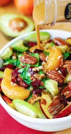 Ingredients include Pecans, Avocados (and Balsamic Vinaigrette Dressing) - delicious, healthy, vegetarian, gluten free recipe! Cranberry Spinach Salad, Spinach Salad Recipes, Salad Bar, Soup And Salad, Vegetarian Recipes, Cooking Recipes, Healthy Recipes, Cooking Ideas, Clean Eating