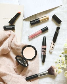 A Spring Beauty Refresh, feat Bobbi Brown, bareMinerals, Maybelline and Kat Von D | on One Pleasant Day