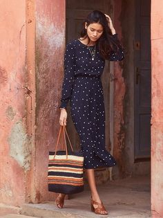Sézane Julia Dress and High Estel. Sézane Julia Dress and High Estelle Sandals Mode Outfits, Fall Outfits, Fashion Outfits, Womens Fashion, Fasion, Look Boho, Short Mini Dress, French Chic, Bohemian Style Clothing