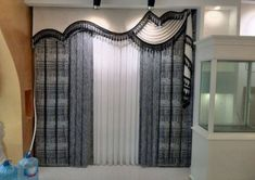Trendy ideas living room modern classic window treatments in 2019 Curtains And Draperies, Home Curtains, Modern Curtains, Window Drapes, Valances, Room Window, Modern Window Treatments, Valance Window Treatments, Window Treatments Living Room