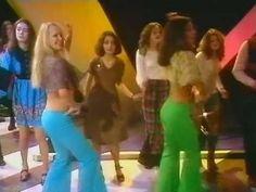 T-rex - Queen & Pans People dance group