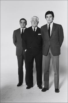 French actors (L-R) Italian actor Lino Ventura, Jean Gabin and Alain Delon on the set of the movie The Sicilian Clan (Le clan des Siciliens), directed by Henri Verneuil, in 1969 in France. French Movies, Old Movies, Bruce Lee, Brigitte Auber, Le Clan Des Siciliens, Jean Gabin, Jean Luc Godard, Actor Studio, Old Movie Stars