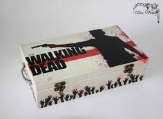 Exclusive tea box, tea,  tea bag,  box, wood, The walking dead by ultroviolet. Explore more products on http://ultroviolet.etsy.com