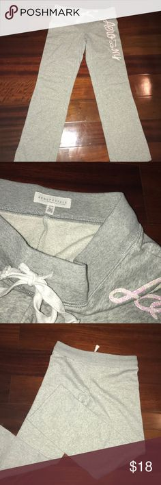 Aeropostale Flare Sweatpants Worn Once Looks Brand New!  Soft on inside! Aeropostale Pants Boot Cut & Flare