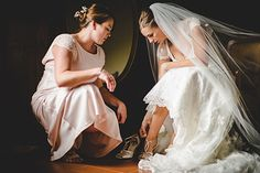 Elena Foresto Photographer bride and bridesmaid