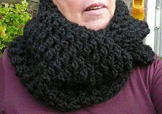 LINDEVROUW'S WEB: Gehaakte Kolsjaals http://www.lindevrouwsweb.blogspot.nl/2012/11/gehaakte-kolsjaals.html#