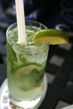 Pin for Later: Don't Waste Calories at a Bar: 5 Low-Calorie Cocktails to Order at Happy Hour Mojitos