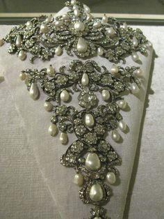 BAYERN_Diamonds & Pearls' Stomacher of the Electress of Bavaria.
