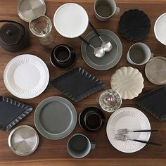Dining Ware, Kitchenware, Tableware, Japanese Dishes, Grey Glass, Cup Design, Ceramic Design, Plate Sets, Fine Dining