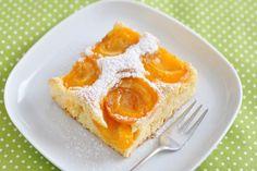 La torta ricotta e albicocche è un dolce perfetto per l'estate, dal sapore delicato ed irresistibile, perfetto per ogni momento della giornata. Ecco la ricetta