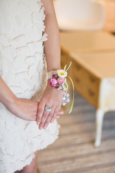 flower corsage - this is just to give you an idea of what a wrist corsage looks like but not the flowers as they would be different. Wrist Flowers, Prom Flowers, Bridal Flowers, Flower Corsage, Wrist Corsage, Corsage Wedding, Wedding Bouquets, Vintage Bridal, Wedding Accessories