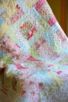 Quilt Inspiration ~ Baby Quilt HANDMADE Moda Simplicity Fabrics Baby quilt baby boy Modern baby quilt love this quilt Quilting Projects, Quilting Designs, Sewing Projects, Shabby Chic Quilts, Handmade Baby Quilts, Machine Quilting, Quilt Making, Quilt Blocks, Shibori