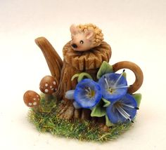 Stump with hedgehog morning glory and toadstools  teapot - Lory's Creations