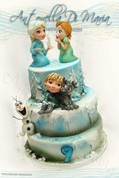 Frozen Cake baby elsa, Anna, kristoff and Sven.