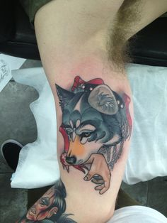 Neo-Traditional wolf. (I wouldn't get this exact tattoo, but it's in the style I want.)