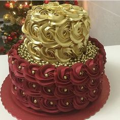 Image may contain: food Cake Decorating Designs, Creative Cake Decorating, Cake Decorating Videos, Birthday Cake Decorating, Pretty Cakes, Cute Cakes, Amazing Cakes, Beautiful Cakes, Bolo Glamour
