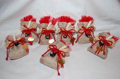 bomboniere per festa di laurea con coccinelle in pasta di mais Crochet Toys, Crochet Baby, Lavender Bags, Baptism Gifts, Religious Icons, Ballerinas, Confetti, Origami, Stampin Up