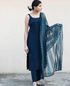 Silk Kurti Designs, Simple Kurta Designs, Kurta Designs Women, Kurti Designs Party Wear, Party Wear Indian Dresses, Designer Party Wear Dresses, Dress Indian Style, Indian Wear, Casual Indian Fashion