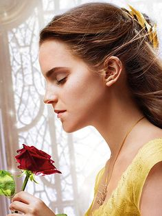 Emma watson wearing the tree branch ear cuff, hair ornament and necklace in 'beauty and the beast' photo walt disney Emma Watson Beauty And The Beast, Emma Watson Beautiful, Belle Beauty And The Beast, Bella Disney, Walt Disney, Beast Wallpaper, Images Disney, Princesa Disney, Pencil Portrait