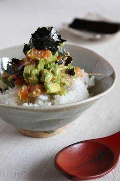 梅アボサーモンの美肌丼 by タラゴン (奥津純子) | レシピサイト「Nadia | ナディア」プロの料理を無料で検索