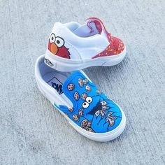 Custom Elmo and Cookie Monster Vans image 2 Painted Vans, Hand Painted Shoes, Boys First Birthday Party Ideas, Elmo And Cookie Monster, Hawaiian Decor, Cute Family, Shoe Art, Custom Shoes, Vans Shoes