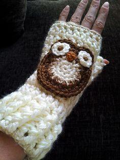 Ravelry: kazpaz's Fingerless Gloves - with owls!