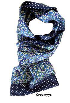 Foulard liberty petal bud bleu et pois : Echarpe, foulard, cravate par crocmyys