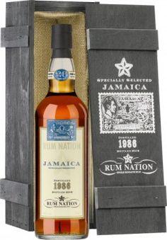 Afbeelding van https://therumhowlerblog.files.wordpress.com/2013/04/rum-nation-jamaica-26yo-1986-12-sl-vi-gb-e1366159751530.jpg?w=240&h=345.