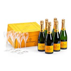 Veuve Clicquot Champagne & 2 Flutes Gift Set - Delivery in ...