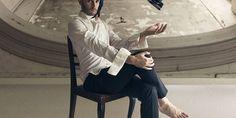 """Vladimir Dumbravă, artistul ieșean care își exprimă personalitatea prin munca sa a lansat o nouă campanie colorată și """"pictată"""".  """"Make-Up Artist Best Work"""" este numele proiectului prin care fotograful Vladimir Dumbravă dorește să pună în valoare munca make-up artiștilor într-un mod unic. Instrumentele sunt simple – creativitate și concepte inedite care prind contur în colaborare cu 12 dintre cei mai talentați make-up artiști ce s-au înscris în acest proiect. Make Up, Ballet, Artist, Beauty, Beast, Artists, Makeup, Beauty Makeup, Ballet Dance"""