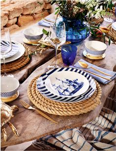 These rope place mates are awesome when setting a nautical table. The place settings are amazing as well. New Zara Home Spring Coastal Style, Coastal Decor, Beautiful Table Settings, Nautical Home, Nautical Table, Deco Table, Decoration Table, Beach House Decor, Dinner Table