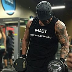 Training the guns with my boys @eman.garcia and @ham_the_hammer... Team @Unleash_the_beast_mode @steel.brigade @utbm_management Rocking our colors... All day every day..  Rocking the new lid by @Mr.liftorquit @liftorquitapparel #bodybuilding #beastmode #aesthetics #mensphysique #nutrishoptemecula #fitness19 #mcm #wcw #fitfam #flexfriday #fitnessmodel #lafitness #selfmade #makeyourmark #dynamikmuscle #savageroar #worldsgym #golds #eostemecula #nutrishop #maxmusclemurrieta #EOSMURRIETA…