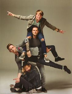 Tom Fletcher, Danny Jones, Harry Judd and Dougie Poynter Group Photo Poses, Tom Fletcher, Dougie Poynter, A4 Poster, Band Photography, Band Photos, Music Love, Pose Reference, Backgrounds