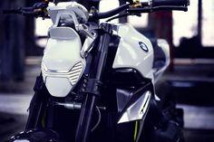 BMW Concept Roadster: futuristic LED headlight