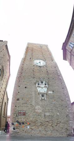 #attaccoallatorre #25aprile #InvasioniDigitali Torre Civica