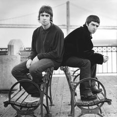 Noel Gallagher Young, Liam Gallagher, Liam And Noel, Oasis Band, Love, Musicians, Instagram, Amor, Music Artists