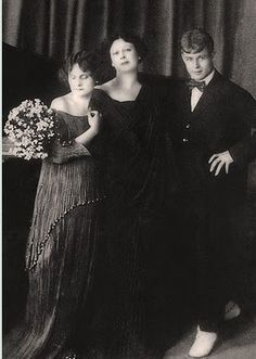 Isadora Duncan and her daughter in Fortuny Delphos gowns
