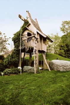 Michael Ince, Bialsky Tree House, Bridgehampton, New York (USA), 10 Of The World's Most Amazing Tree Houses Cubby Houses, Fairy Houses, Play Houses, Pergola, Gazebo, Cool Tree Houses, Amazing Houses, Fairytale Castle, In The Tree
