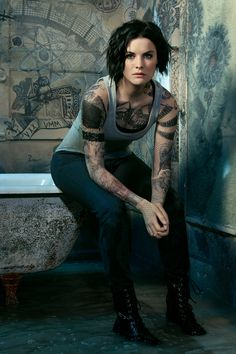 Jaimie Alexander as Jane Doe in Blindspot (NBC Body Tattoo For Girl, Full Body Tattoo, Body Tattoos, Girl Tattoos, Jaimie Alexander, Jamie Alexander Hair, Hollywood Celebrities, Girl Face, Inked Girls