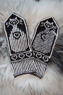 Cats and Stripes Mittens pattern by Connie H Design Mittens Pattern, Knit Mittens, Knitted Gloves, Wrist Warmers, Hand Warmers, Fair Isle Knitting, Hand Knitting, Striped Mittens, H Design