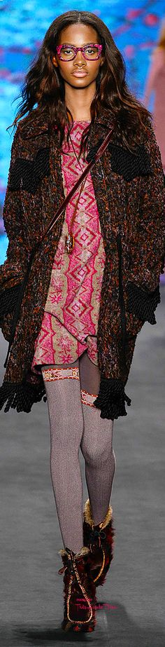#NYFW Anna Sui Fall 2015 RTW ♔THD♔ this is my FAVE but dress NOT a Z color!! Still, cant help adding it, its pretty awesome