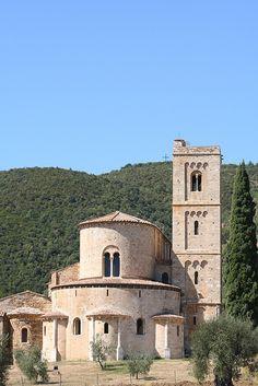 ABBAZIA DI SANT'ANTIMO, Toscana.