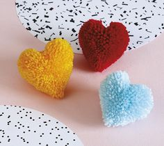 Make these DIY craft pom pom love hearts for some cute Valentine's Day party decor or to give as gifts! Pom Pom Crafts, Yarn Crafts, Crafts For Kids, String Crafts, Ribbon Crafts, Valentine Crafts, Christmas Crafts, Valentines, Christmas Pom Pom
