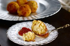 Crispy Macaroni and Cheese Balls Recipe