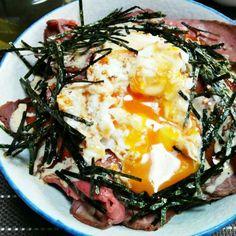 材料は ローストビーフ ごはん おネギ ゴマ きざみ海苔 ローストビーフのタレ マヨネーズにゴマだれ混ぜたもの ポーチドエッグ です - 10件のもぐもぐ - ローストビーフ丼 by yoshino