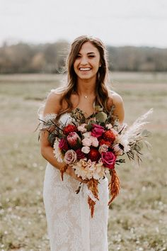 This bride& all-lace Olia Zavozina wedding dress is giving us major heart e. Fall Wedding Flowers, Flower Bouquet Wedding, Floral Wedding, Wedding Colors, Wedding Styles, Peach Bouquet, Wedding Bride, Dream Wedding, Wedding Dresses