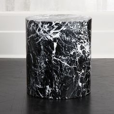 Monolith Side Table by Kelly Wearstler Bedside Table Design, Drum Table, Resin Table, Kelly Wearstler, Petrified Wood, Handmade Furniture, Stone Carving, Modern Chairs, Unique Colors