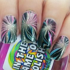 40 Great Nail Art Ideas - New Year Mirror-marble fireworks!